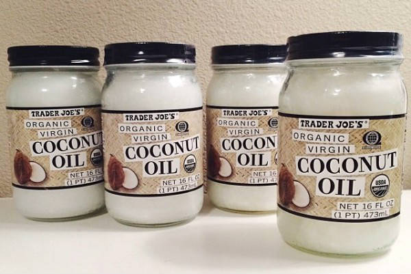 Get Rid of Toxic Sunscreens and Use Coconut Oil Instead