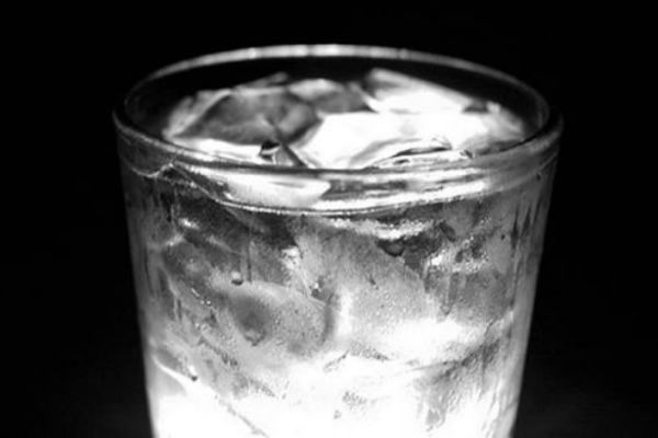 Here's Why You Should Never Drink Iced Water
