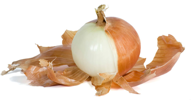 Stop Throwing Them Away! Onion Skins Cut Blood Pressure and Prevent Arteriosclerosis