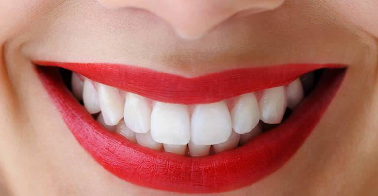 Tips for Stronger and Whiter Teeth Featured