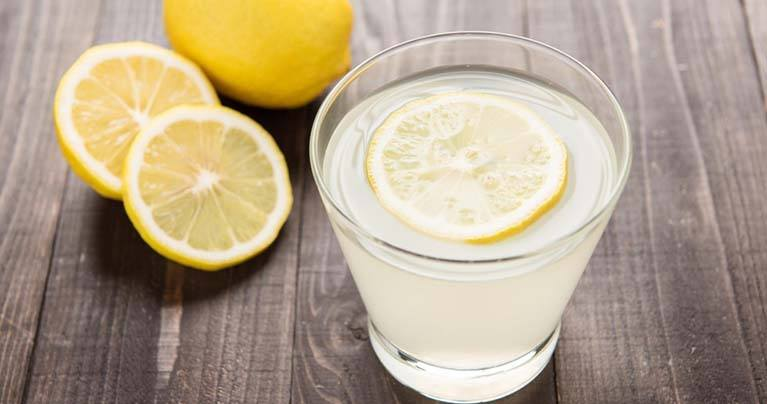 10 Incredible Things that Happen When Drinking Lemon Water on an Empty Stomach